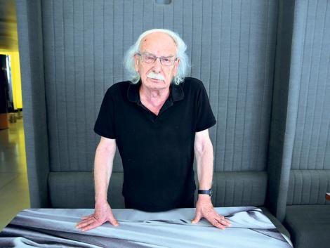 Entrevista al neurobiólogo italiano Giacomo Rizzolatti, quien descubrió hace veinte años las neuronas espejo.