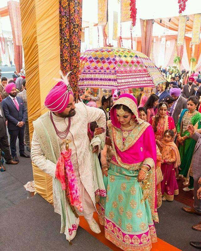 """Punjabi wedding in ludhiana... . .  Follow @indianwedding_style . . .  #weddingceremonie #weddinginpanjab  #weddingcelebrations #weddingphotography #weddingsutra #weddings #indianwedding #candid #candidphotography #weddingstyle #bigfatindianwedding #brideandgroom #indianbride #groom #bride #bridalwear #designerwear  #weddingfun #weddinginspiration #garland #flowers #rose #celebrations #festive #light"" by @indianwedding_style. #невеста #prewedding #brides #engagement #свадебноеплатье…"