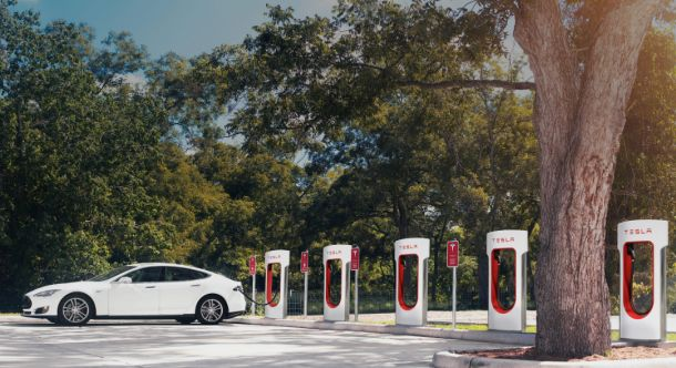 Tesla Supercharger Stations Will Be Charging More Than Just Your Car in 2017