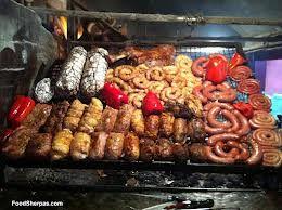 Parrilla Uruguaya: pamplona, chorizo, chorizo criollo, morcilla dulce o salada, choto, morron azado tambien con queso, asado, pulpon, vacio, molleja (lo mas rico),   papas y boniatos al fuego o a las brasas. QUE RICO!