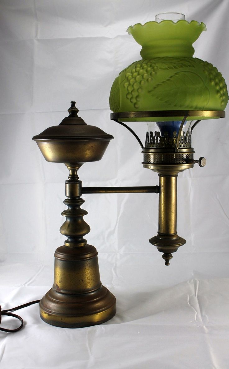 antique brass student lamp original oil kerosene lamp green grape glass shade you light up. Black Bedroom Furniture Sets. Home Design Ideas