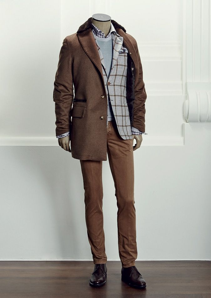 COAT UW9818A 114065+3I0220+3I1704 - JACKET UG89 1I0119 - SWEATER UK22 I141K183 - SHIRT UC C H485611 - TROUSERS UPNJ1P 2I9218 - SHOES USSCIPR N12002 - POCKET SQUARE