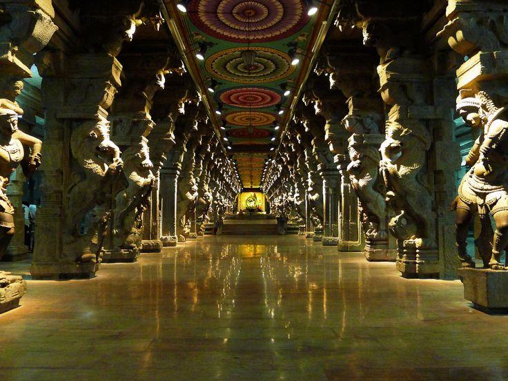 Meenakshi Amman Temple in Madurai, Tamil Nadu, India ...