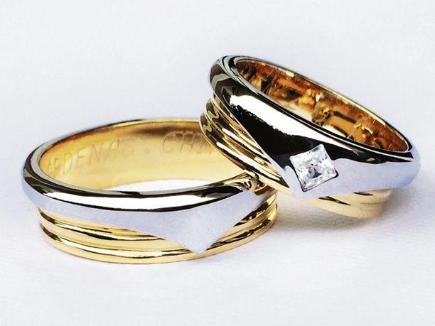 Argollas de matrimonio oro amarillo y blanco de 18 K.