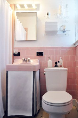 this reminds me of the pink tiled bathroom we had in our last rental; I loved it and do miss it
