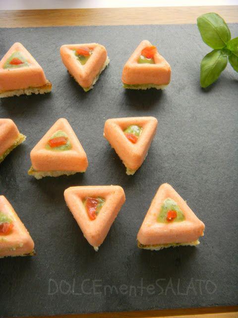 DOLCEmente SALATO: Mini savarin di mousse al pomodoro e pesto di basilico