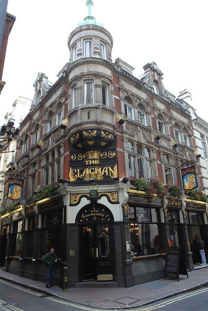 The Clachan Victorian pub in Soho, London, England. http://www.naviquan.com/page/london-pubs/2/