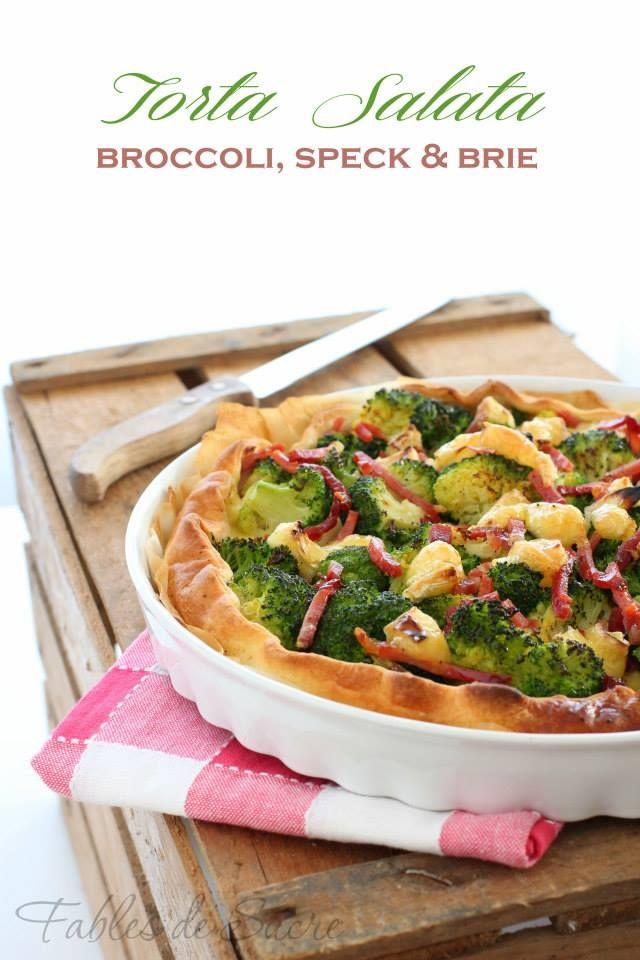 Torta salata con broccoli, speck e brie. Facilissima, buona e veloce: subito in forno, subito in tavola e subito finita. Ideale anche come aperitivo.