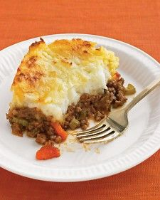 Old-style pubs have it right: Sitting down to a generous helping of shepherd's pie is a true pleasure; making it is happily simple. We've added sharp cheddar to our mashed potatoes for a snappy topping.Shepard Pies, Cheddartop Shepherd, Pies Recipe, Ground Beef, Shepherd Pies, Pie Recipes, Martha Stewart, Cheddar Tops Shepherd, Comforters Food