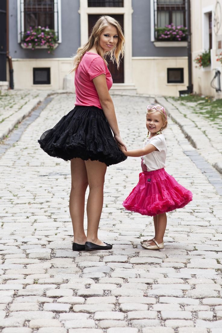 Fuchsia pettiskirt VINTAGE BARBIE - loved by kids and adults <3