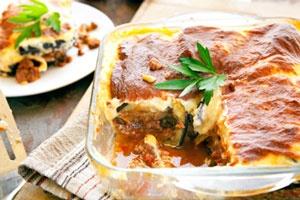 5 Foolproof  (But not droolproof)Greek Recipes Krokettes, Mousakka, Tzatziki, Baklava, Greek salad. Om nom nom