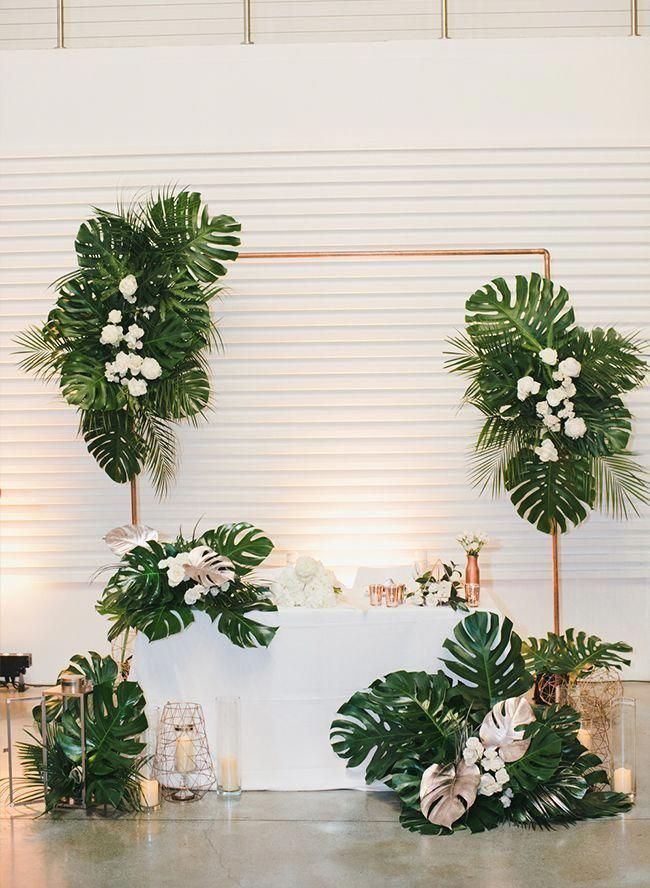 Modern Tropical Wedding Inspired By This Weddingbackdrop Inspired Modern Tr In 2020 Tropical Wedding Inspiration Tropical Wedding Tropical Wedding Centerpieces