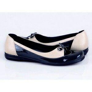 Jual Sepatu Kasual Wanita - K & A shop | Tokopedia - https://m.tokopedia.com/knashop/sepatu-kasual-wanita-6