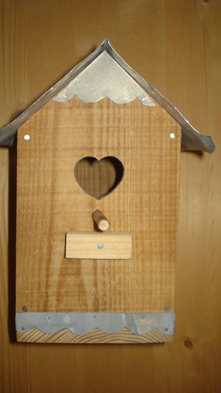Nichoir En Bois De Palette : Nichoir en bois de palette et toiture zinc : Accessoires de maison par
