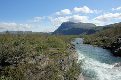 Crystal clear waters and fine scenery at Abisko (Sweden).