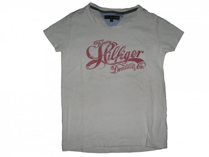 T-shirt Creme met rode tekst Merk Tommy Hilfiger Maat 128