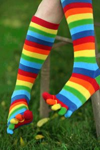 Rainbow toe socks - forever a classic!Remember, Happy Socks, Stuff, Blast, Knee High Colors Socks, Childhood Memories, Pairings, Rainbows Toes Socks, Things