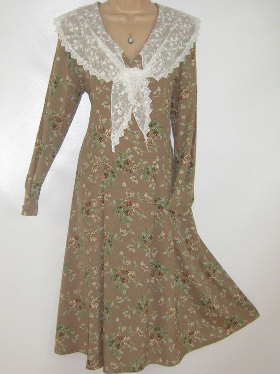 LAURA ASHLEY Vintage Taupe Wild Rose Lace by VintageLauraAshley