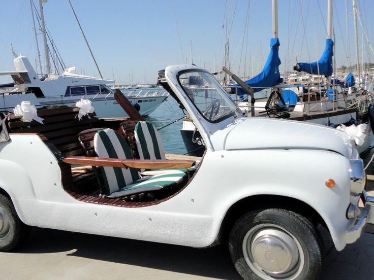 Rome Tour Vintage Fiat car - Vintage Fiat 600 Capri #Rome #Tour #Vintage #ItalyXP #WeLoveItalyXP #Travel #Trip