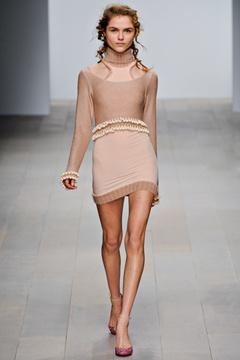 love the lines, hang and the little danglesFashion Show, F2012Rtw Fashion, Fashion Forward, Fast Runway, Fall 20122013, Fashion Inspiration, London Fall, 2012 Mark, Mark Fast