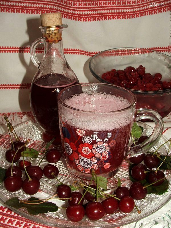 Katalin konyhája: Meggy ivólé vagy szörp