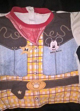 À vendre sur #vintedfrance ! http://www.vinted.fr/mode-enfants/chemises-et-t-shirts/28176010-t-shirt-disney-mickey-2-ans