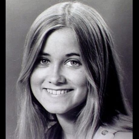 "Maureen McCormick played eldest daughter Marcia Brady on the classic '70s TV series, ""The Brady Bunch."" ~ Seriously, What happened to these kids?????!!!!???!"