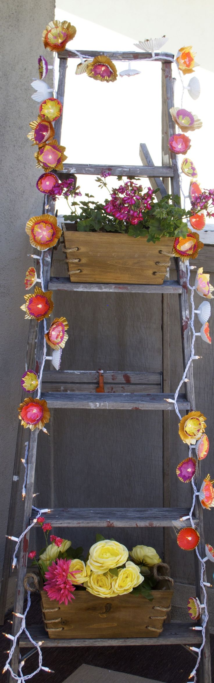 Cute DIY Party Lights Are The Perfect Pick Me Up For Your Deck
