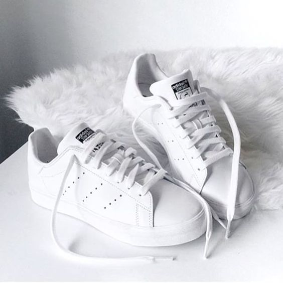 Adidas white stan smith shoes, Adidas original superstar sneakers http://www.justtrendygirls.com/adidas-original-superstar-sneakers/