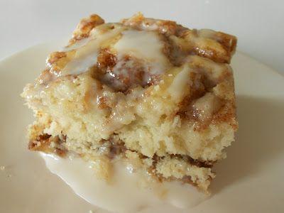 Six Sisters' Stuff: Cinnabon Cinnamon Roll Cake Recipe: Coff Cakes, Cinnamon Rolls Cakes, Cakes Recipes, Cinnamon Roll Cakes, Cinnamon Cinnabon Rolls, Cinnamon Cakes, Baking, Six Sisters Stuff, Cake Recipes