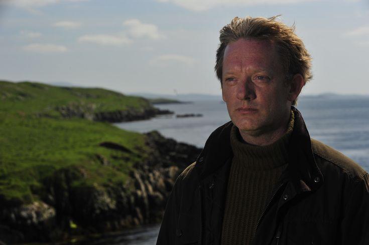 Shetland tv series, Douglas Henshall
