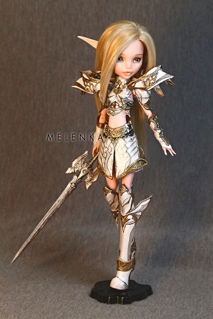 Melenka's work always makes me gush! The level of design on the armours and the dolls is incredible!