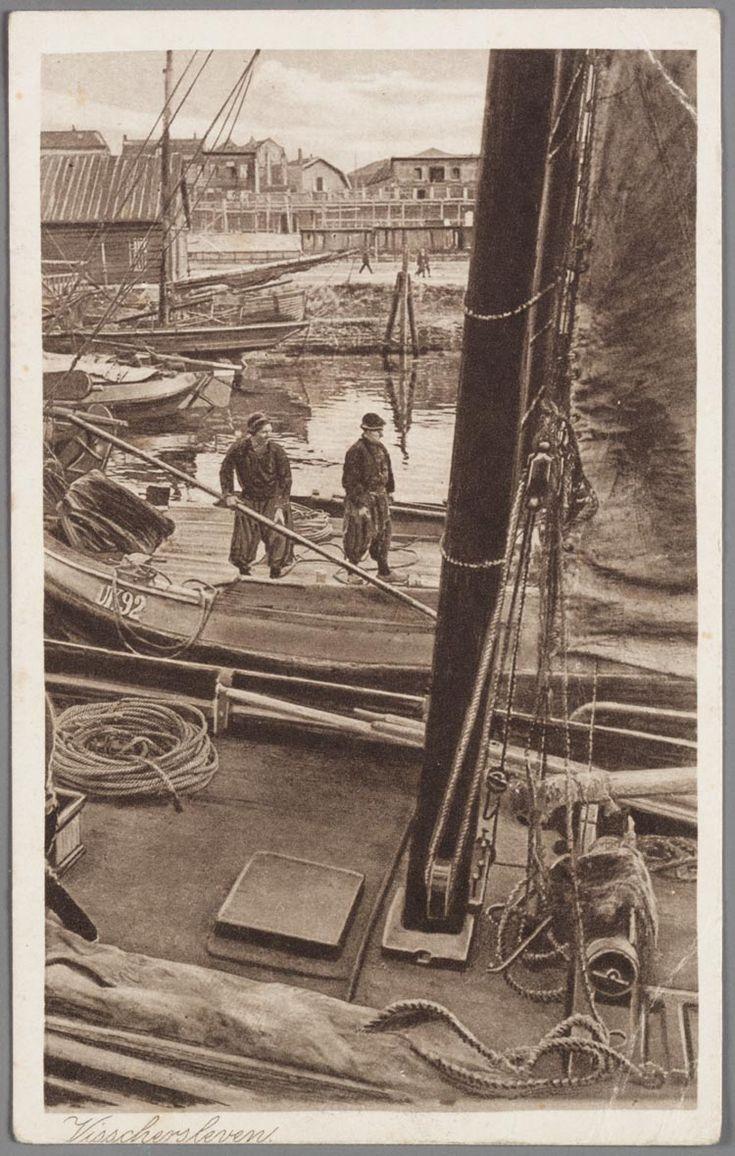 Tekening uit ca. 1910 van botters, o.m. de UK 92, in de haven van Urk. #Urk