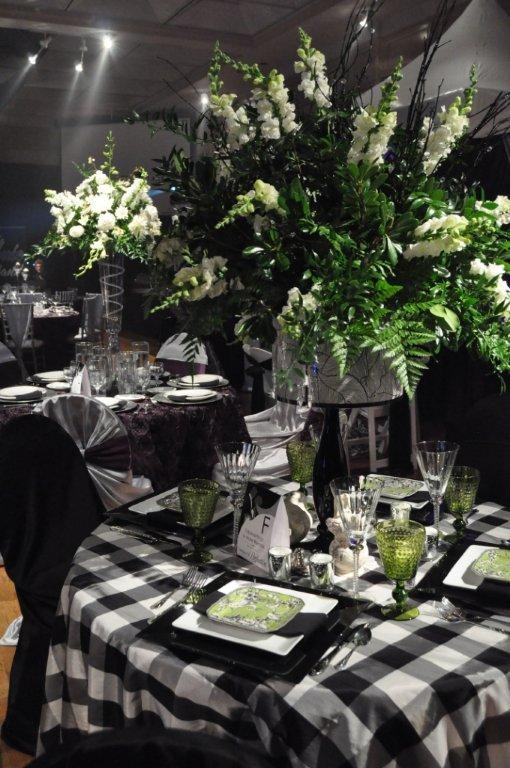 253 best tablescapes images on pinterest for Black and white tablescape ideas