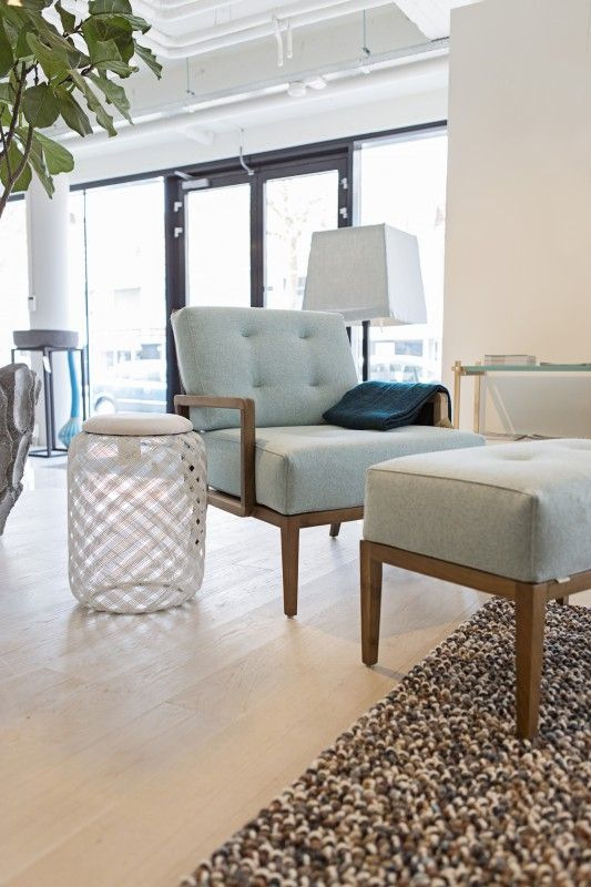 10 best do 39 s interiors showroom images on pinterest showroom ideas para and arm chairs - Moderne stoffering ...