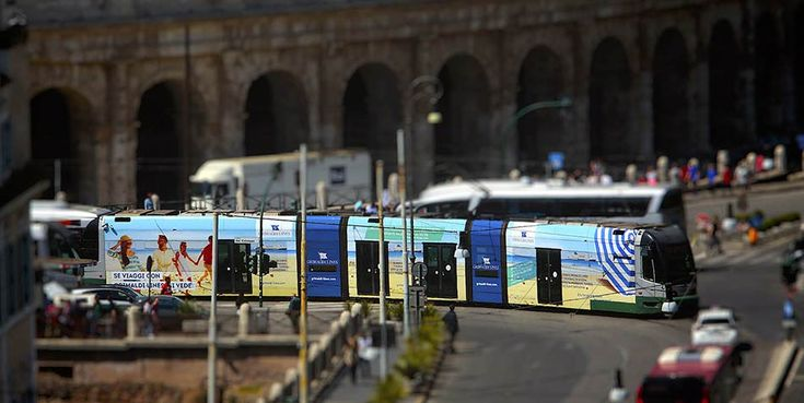 Campagna pubblicitaria Grimaldi Lines 2017 con affissioni statiche e dinamiche, poster, maxi poster e tram. AT&ACME Agenzia di pubblicità a Napoli  #ateacme #affissioni #pubblicitadinamica