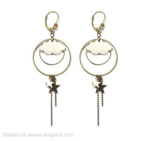 La tête dans les nuages... Je découvre 3 jolies paires de boucles d'oreilles étoilées faciles à réaliser. #ladroguerie  Bijou dessiné sur www.e-droguerie.com