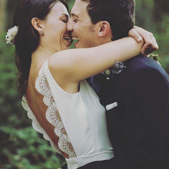 """Cuando con una sonrisa se dice todo 💕"" by @bubbleandbells. #eventplanner #weddingdesign #невеста #brides #свадьба #junebugweddings #greenweddingshoes #destinationweddingphotographer #dugunfotografcisi #stylemepretty #weddinginspo #weddingdecor #weddingstyle #destinationwedding #weddingflowers #weddingdetails #luxurywedding #engagement #theknot #prewedding #engaged #weddingplanning #weddinginspiration #weddingphotographer #weddingplanner #weddings #weddingphoto #weddingseason #instabride…"