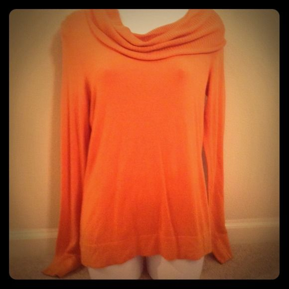 Orange sweater S Perfect for fall this orange sweater can be dressed up or down Sweaters