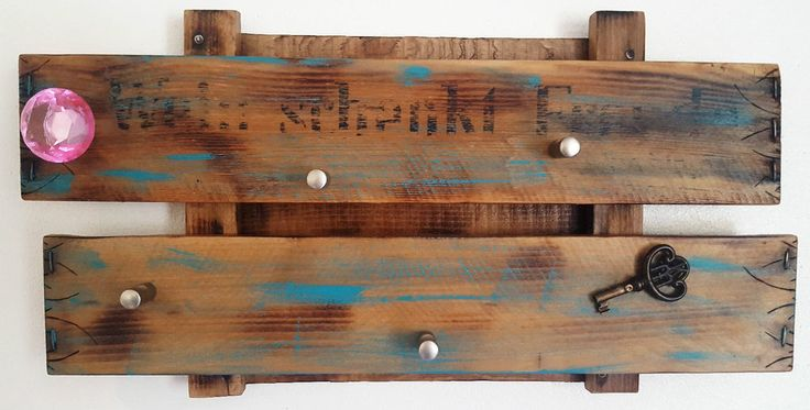Schlüsselbrett aus alten Weinkisten, Hundeleinen Halter,Holz,Upcycling,Shabby