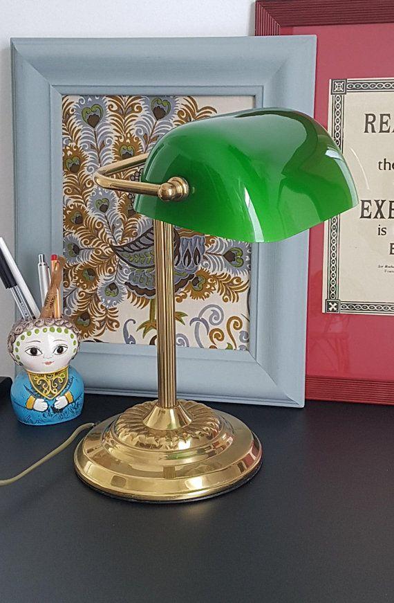 Vintage Banker Schreibtischlampe Aus Messing Mit Glasschirm In Grun Klavier Buro Lampe Schreibtisch Student Light Klassisch Art De Warm Light Bankers Lamp Lamp