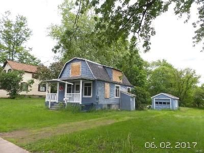 Cheap $4,500 property for sale located at  View Rd Pulaski, NY 13142, Pulaski, NY 13142, Oswego County, 2 Beds, 1.0 Baths, 1039 Sq/Ft