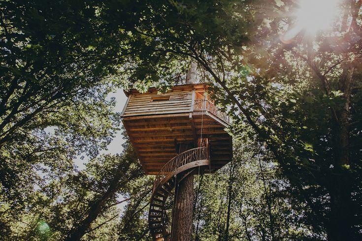 Bijzonder plekje in het prachtige Baskenland! Bij Cabañas en los árboles kan je overnachten in één van de vier fantastische boomhutten.