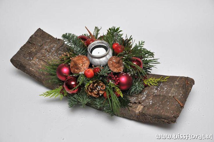 Kerststuk Maken Utrecht | Biss Floral | Bloemen, Workshops en Arrangementen | Kerststuk Maken Utrecht Bloemschikken Creatieve Workshop Nobilis Kerstmis November December