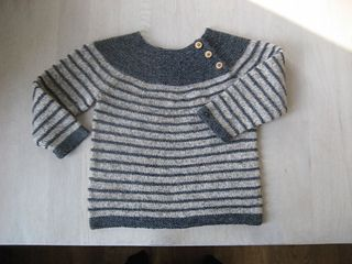 The pattern is just my description of how I made this little sweater.