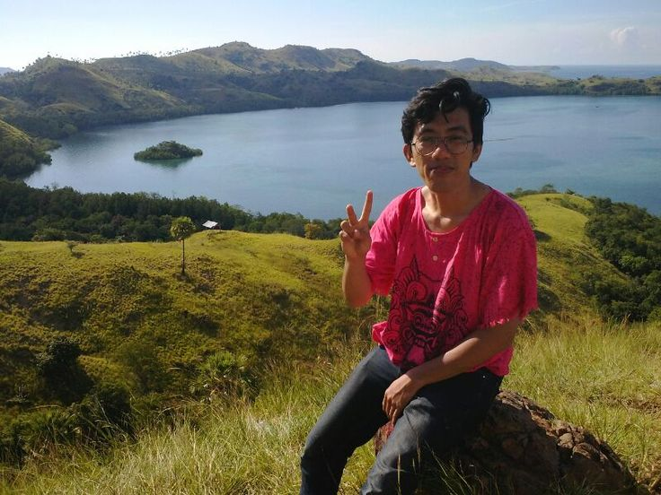 Labuan Bajo - Indonesia. Bukit Cinta (Hill Of Love) unfortunately i'am not with my love one.