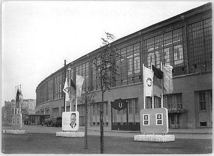 1952 Bahnhof Friedrichstrasse (Dekorationen zum Parteitag der CDU)