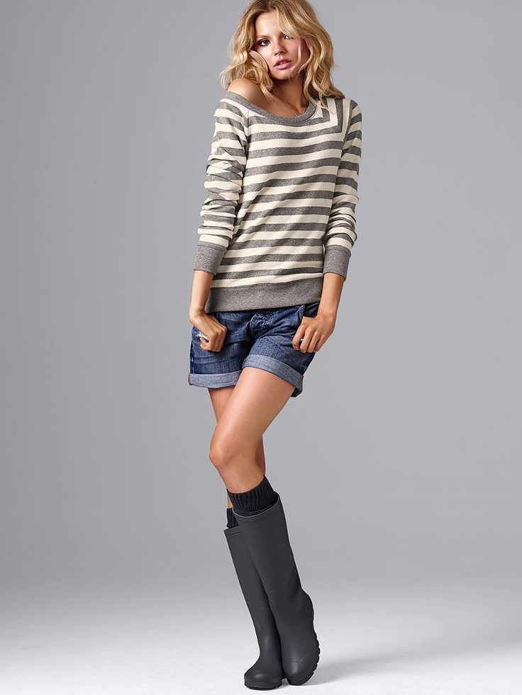 Rainboots and shorts