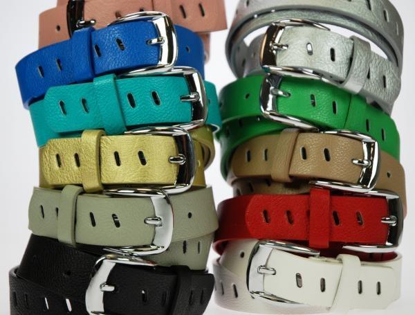 Ancho: 3 cm. Lote de 12 cinturones, surtidos de colores y tallas. Troquelado. Composición: PU