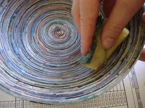 Mit Papier basteln: Magazine Bowl selber machen